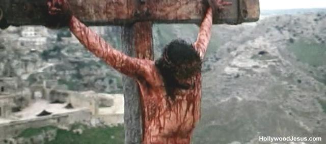 ...mas Jehová cargó en Èl el pecado de todos nosotros. Angustiado él, y afligido, no abrió su boca; como cordero fue llevado al matadero... (Is.53:6b-7a)